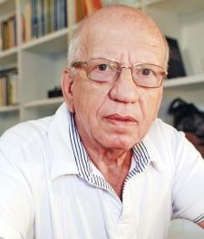 פרופ' דן מירון