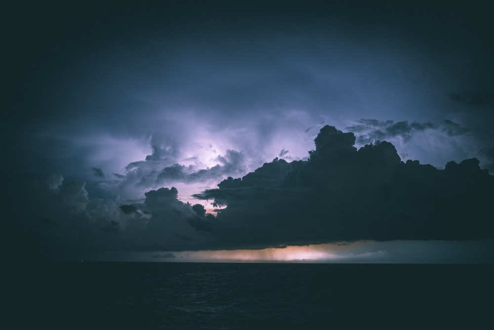 stormy_weather-unsplash, by casey horner