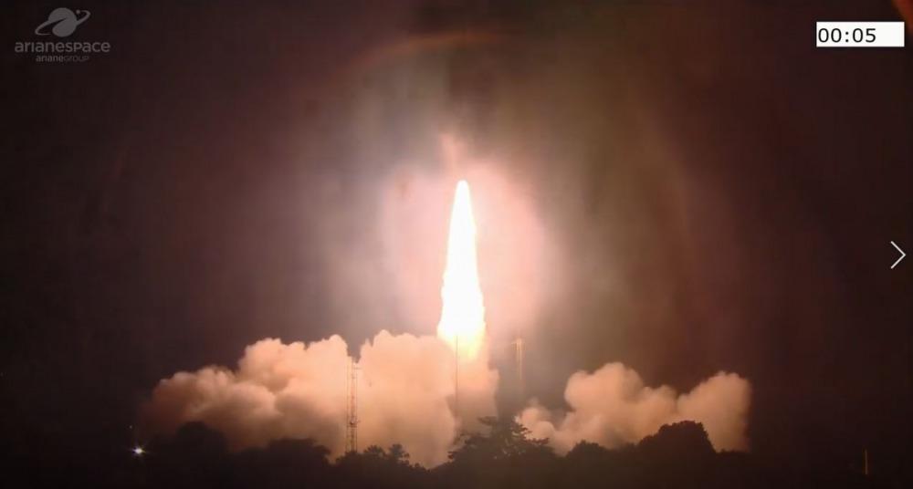 השיגור לחלל, לפנות בוקר (צילום: סוכנות החלל האירופית)