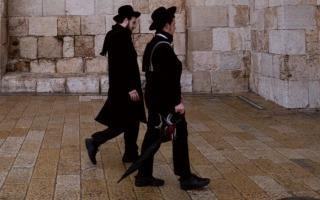 חרדים בירושלים. צילום מתוך האתר unsplash, Levi Clancy