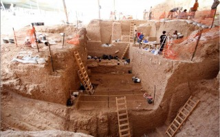 thick_archaeological_layers_uncovered_during_the_dig._-_photo_credit_dr._yossi_zaidner