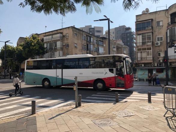 האוטובוס בדרכו ליעד