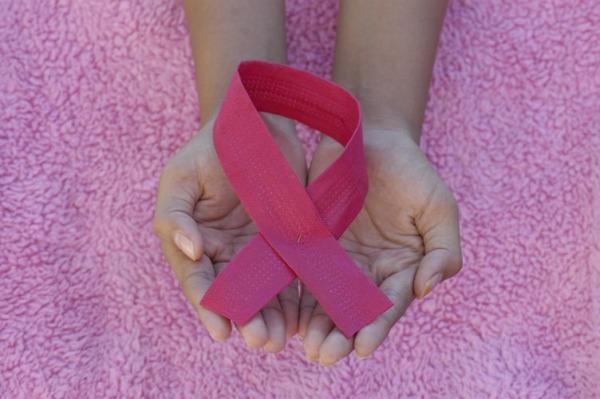 חודש המודעות לסרטן השד - אוקטובר